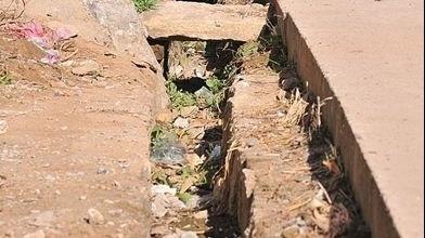 排水渠堵塞致农田无法排水 镇政府:已安排人员疏通