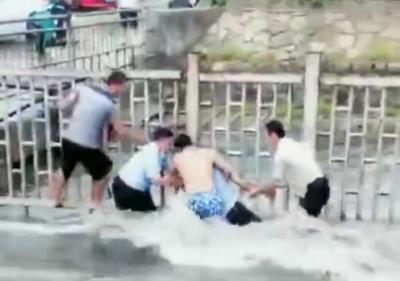濟寧男子水中被救起,他微信表達謝意,民警回復亮了!