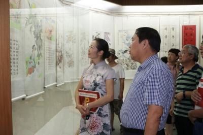 兖州历届政协委员书画作品展在兖州博物馆开幕