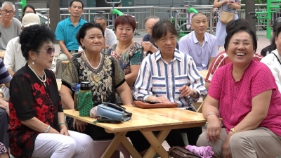 """济阳街道""""小板凳""""红色宣讲进社区"""