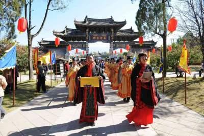 傅明先赴曲阜调研孔子文化节筹备工作