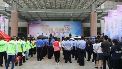"""济宁广电全媒体直播""""让爱出发""""走访创城一线 志愿者们有话说!"""
