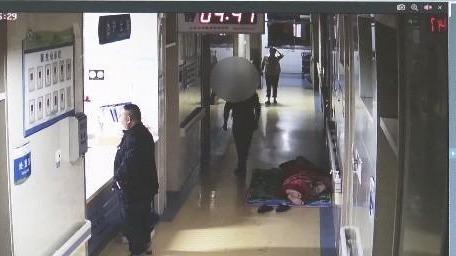 惯犯医院偷手机 两天后落入法网
