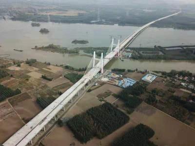 微山湖特大橋26日成功合龍 解決微山湖東、西兩岸交通瓶頸