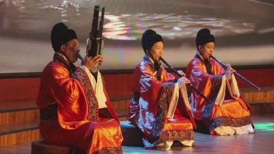 国庆第二天:观赏《诗经》舞台剧  特色演艺醉游人
