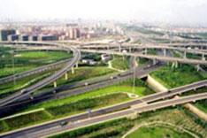 """搭上""""中国快车"""" 跨国公司为何40年来坚持选择中国?"""