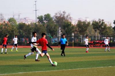 """济宁市任城区第五届""""区长杯""""中小学生校园足球联赛开幕"""
