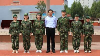 強身立志,青春無悔!汶上縣西和園小學舉行第二屆學生國防教育課