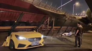 江蘇無錫高架橋側翻事故致3死2傷!初查係運輸車輛超載所致