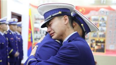 """致敬""""火焰蓝""""!济宁消防救援支队送别首批退出消防救援队伍人员"""