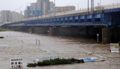 """35人遇难!台风""""海贝思""""重创日本 河流泛滥交通瘫痪"""