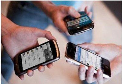 大学生手机上网调查:超4成每天上网超5小?时