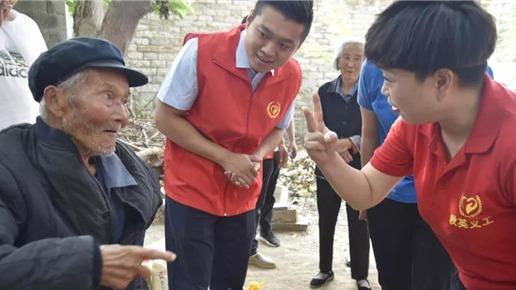 志愿服務多樣化 經開區國慶、重陽期間為老齡居民送關懷