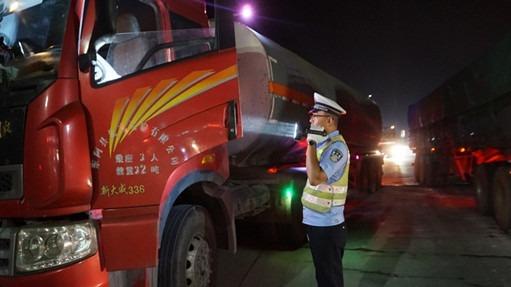 10日起,邹城这些区域将禁行≥12吨以上的重型柴油货车