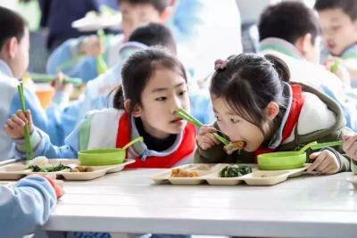 教育部发布冬季学生用餐安全预警:让学生吃饱吃好
