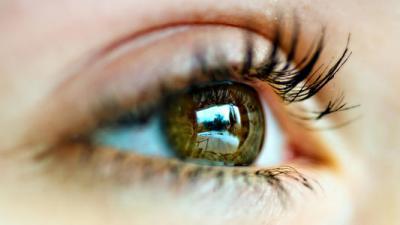 """眼疲劳成为现代人一大困扰 这扇""""心灵的窗户""""应该怎么""""擦""""?"""
