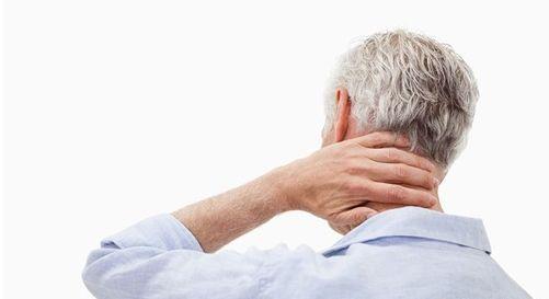 """扭脖子有响声是颈椎病来""""敲门""""了?专家解答"""