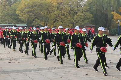 汶上縣舉行徒步健步走比賽  700余人暢享運動激情