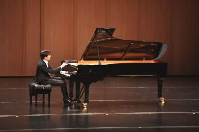 李云迪2019世界巡回鋼琴獨奏音樂會鄒城站圓滿結束