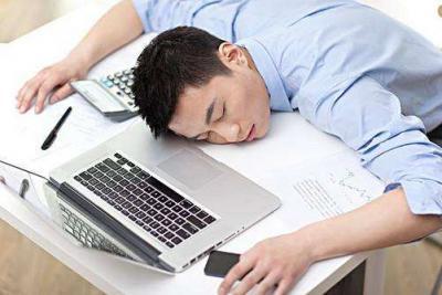 上班一天坐着不动,为啥还那么累?很多人都忽略了!