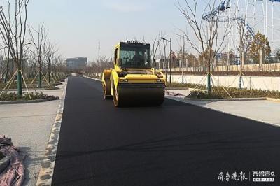 济宁高新区行知路林荫式停车场收尾 137个车位满足市民需求