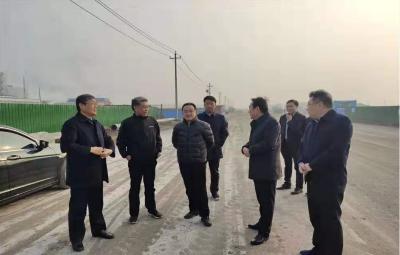 兖州区领导调研太阳新材料产业园重点项目和颜店新城建设