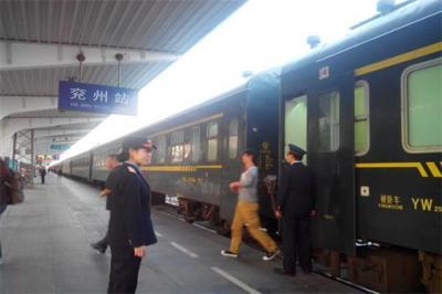 兖州火车站增开七辆列车保障春运