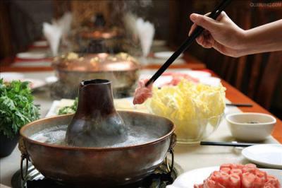 警惕一氧化碳中毒! 寒冬里吃木炭火锅要小心