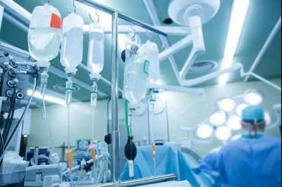 青岛收治1例疑似新型肺炎病例 钟南山:戴口罩预防有用