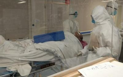 黄冈直击丨激战一夜!山东医疗队7小时连续收治50多名患者 预计今天将满员