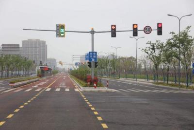 今天起所有路口紅綠燈改成紅燈禁止私家車出行?假的!