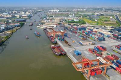 济宁内河集装箱运输实现零的突破