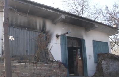 村民家中突发大火损失惨重  政府灾害救助险解燃眉之急