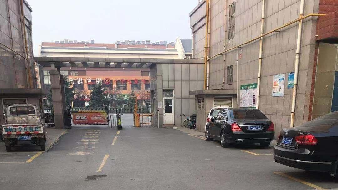 网友问政:小区内车辆乱停 消防通道常被堵