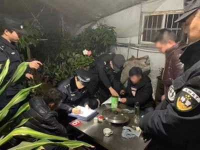 曲阜公安网格警察在行动 成功化解一起邻里纠纷