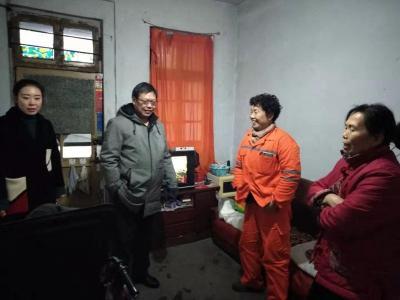 牌坊街社区开展雨雪天气安全防范排查工作