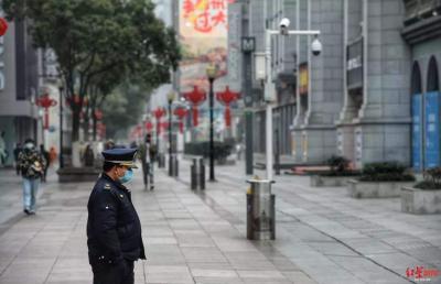湖北新型肺炎已确诊超400例 省内多地暂时关闭出城通道