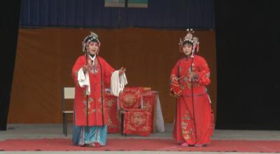 新春走基层|嘉祥:乡村剧团嗨翻天 发钱发物过大年