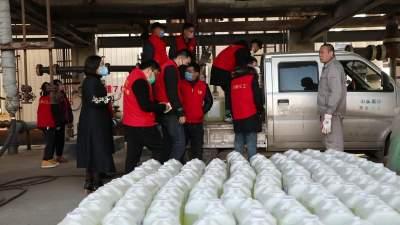 濟寧秋英愛心義工團籌集物資支援疫區