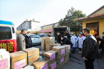 微山愛心企業捐贈防控物資 助力打贏防疫阻擊戰