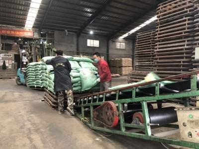 """""""严控+服务"""" 泗水高峪镇有序推进企业复工"""