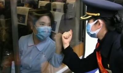 打贏疫情防控阻擊戰:廣大醫務人員奮戰在抗擊疫情主戰場上