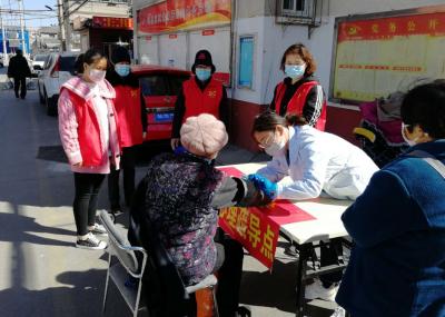 国际社工日:兖州社工为老年人提供心理疏导