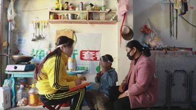 她把康复课堂搬进患儿家 用爱点亮希望