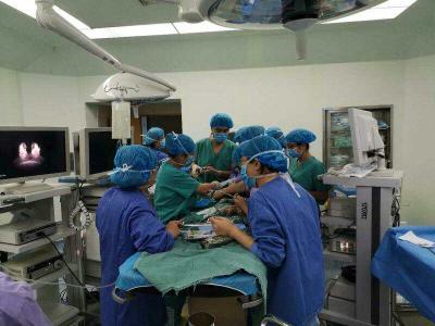 險!濟寧1歲寶寶珠子卡喉,附院醫生技高一籌成功手術