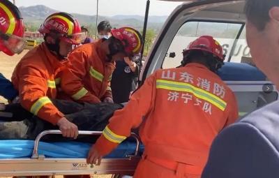 外地游客受傷被困 鄒城消防部門緊急救援