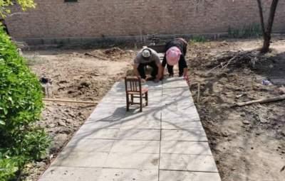 """金乡县""""退役""""砖石再利用 让咱们的庭院美起来"""