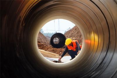 尼山水庫調蓄水工程進展順利!大型輸水管道正在鋪設中