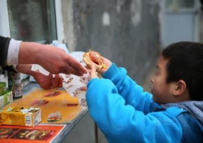 兒童零食行業欠缺營養健康理念 多數產品含添加劑