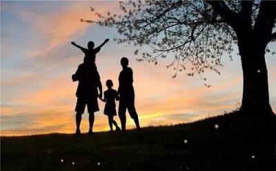 """""""如何做好父母""""是一道嚴肅的社會考題"""